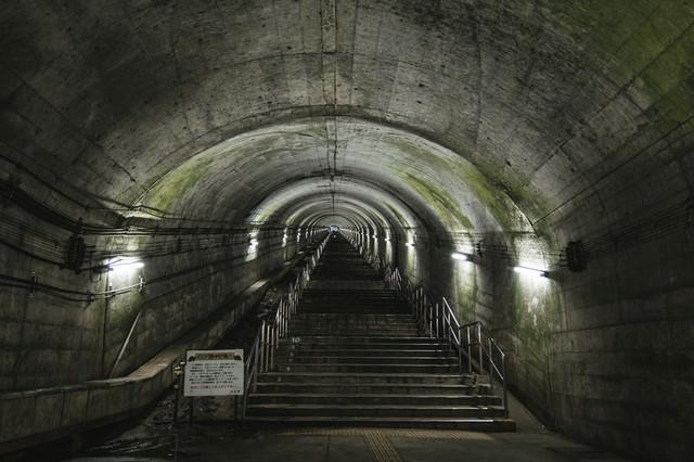 「土合駅(どあいえき)の地下階段」のフリー写真素材