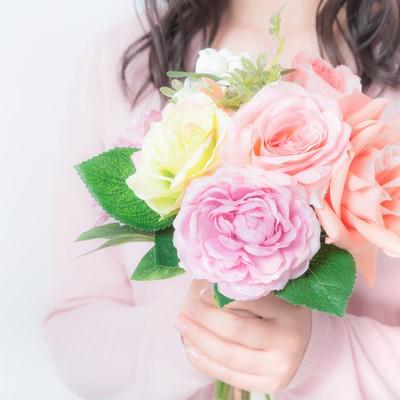 「母の日に贈るカーネーション」の写真素材