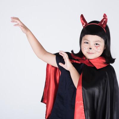 強力な魔法を詠唱しはじめた子デビルの写真