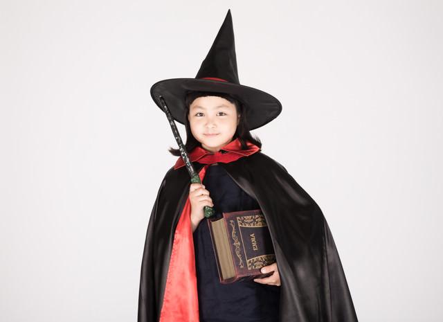 魔法使い見習いの女の子の写真