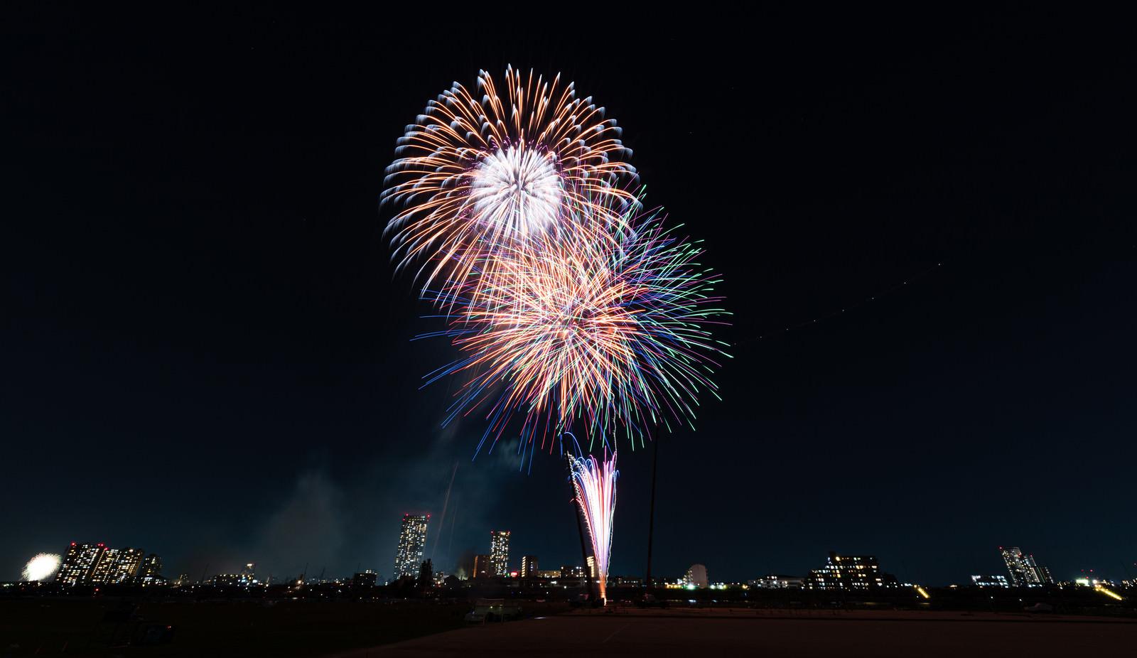 「目の前に打ち上がる花火」の写真