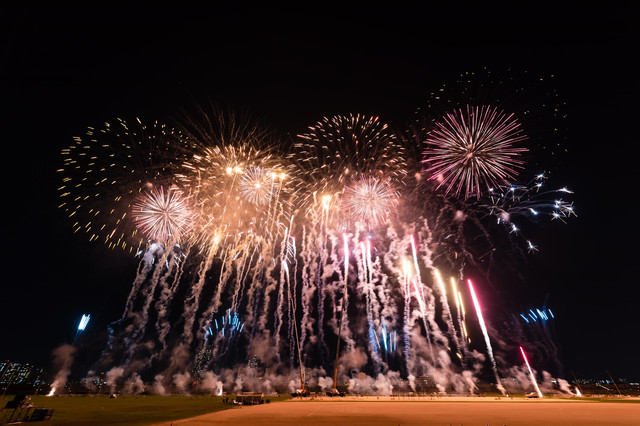江戸川区花火大会の速射連発花火の写真