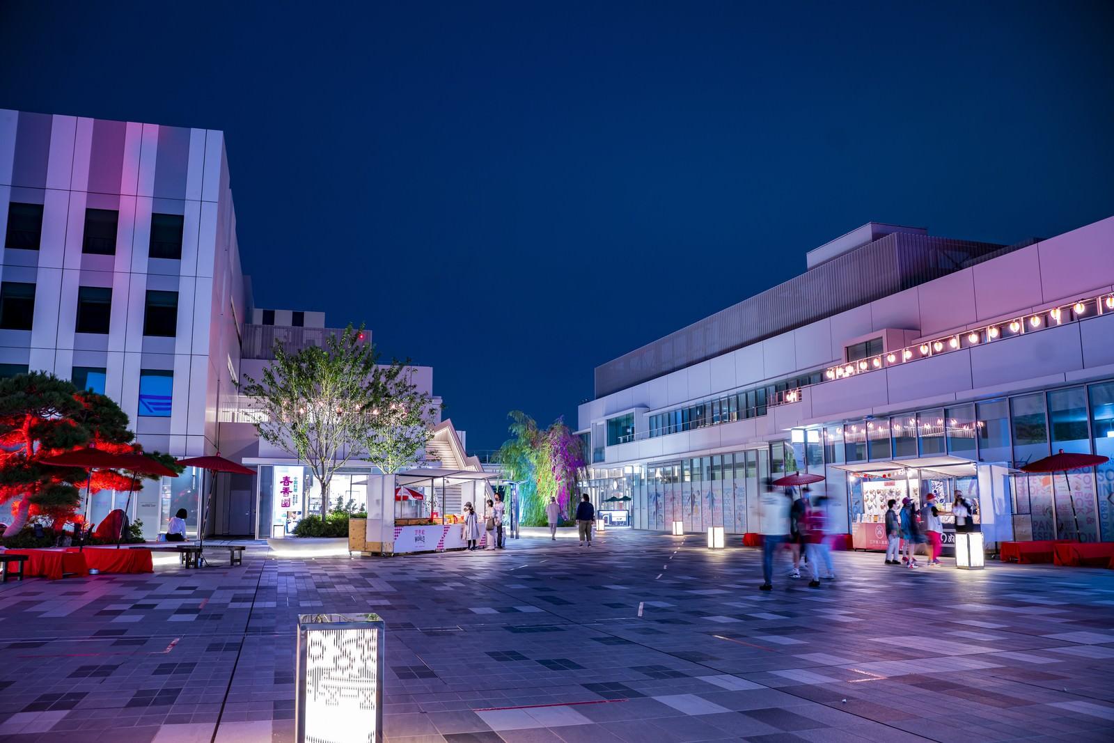 「夜間の羽田イノベーションシティ」の写真