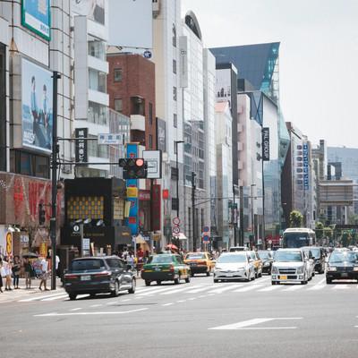 「神宮前交差点の様子」の写真素材
