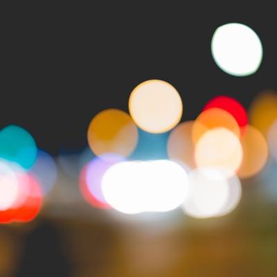 「街の灯り(ボケ)」の写真素材