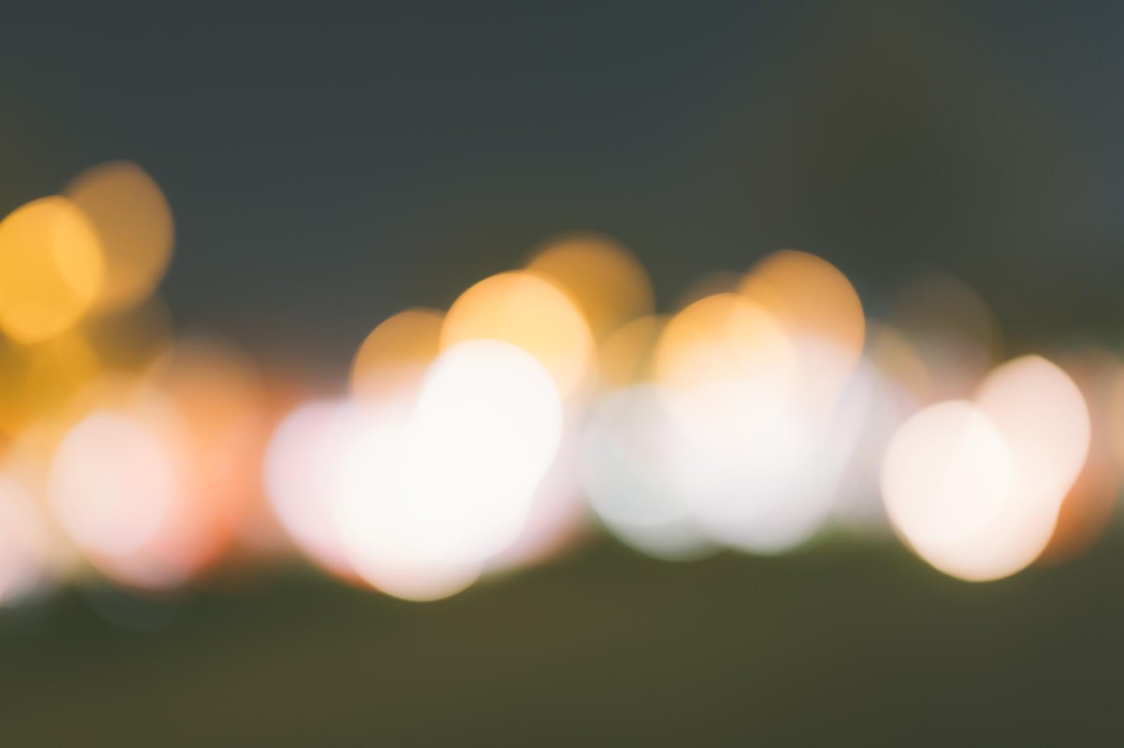 「玉ボケのイルミネーション玉ボケのイルミネーション」のフリー写真素材を拡大