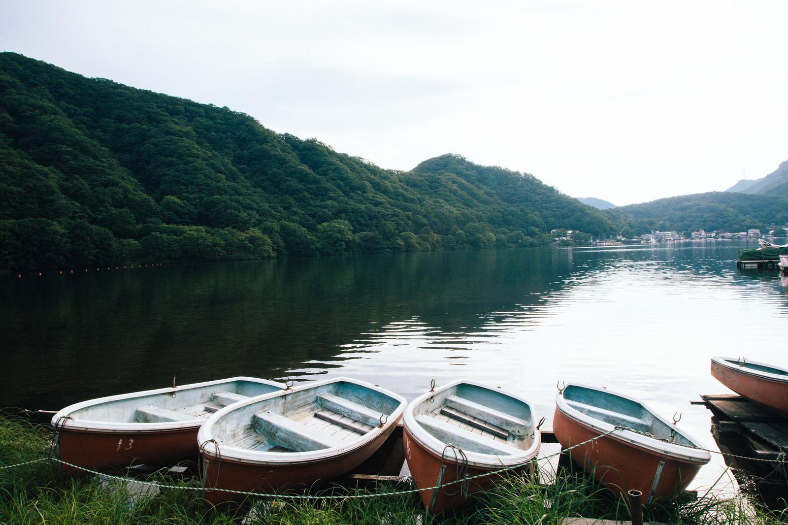 「榛名湖と貸しボート」の写真