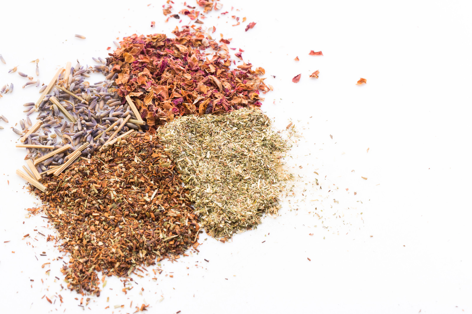 「4種類の香草や粉末」の写真