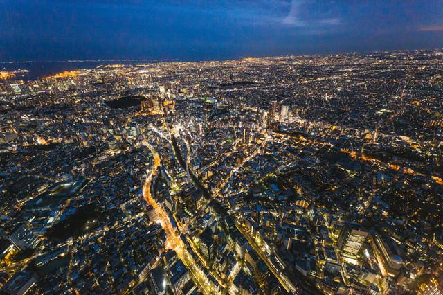 東京都心の夜景(ヘリコプターから空撮)の写真