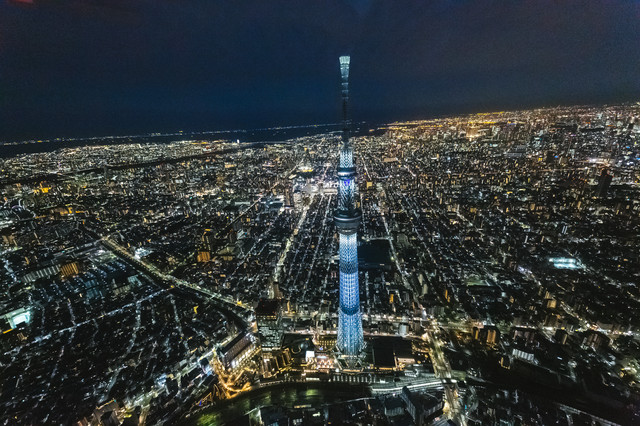 東京スカイツリーと同じ高さ(上空)から夜景撮影の写真
