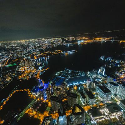 横浜みなとみらいの上空撮影(夜景)の写真