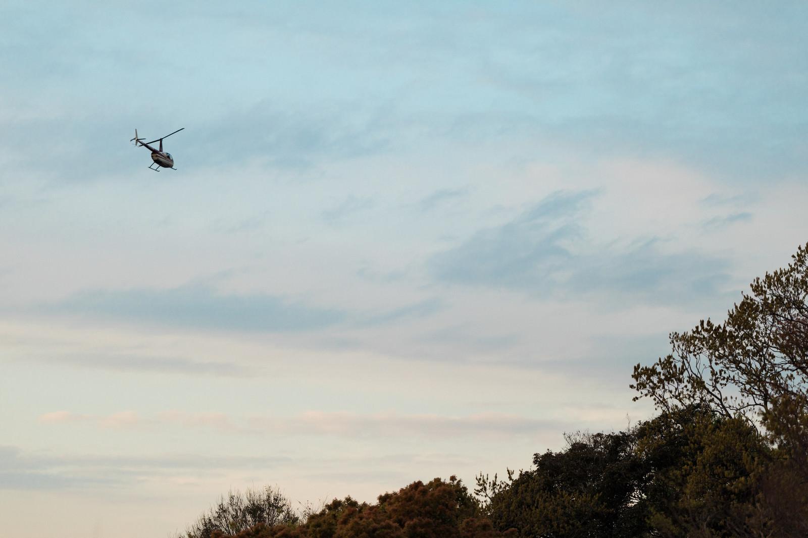 「飛び立つヘリコプター」の写真
