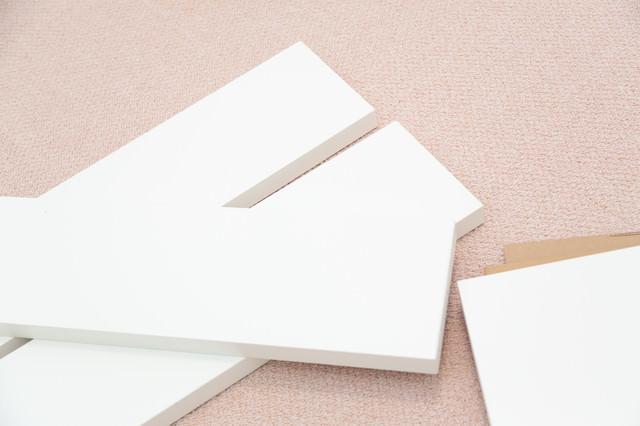 組み立て式家具の板の写真