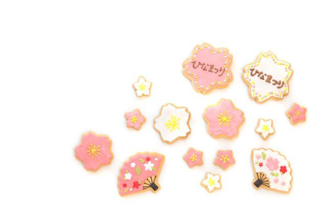 ひなまつりの梅の花と扇子(アイシングクッキー)の写真