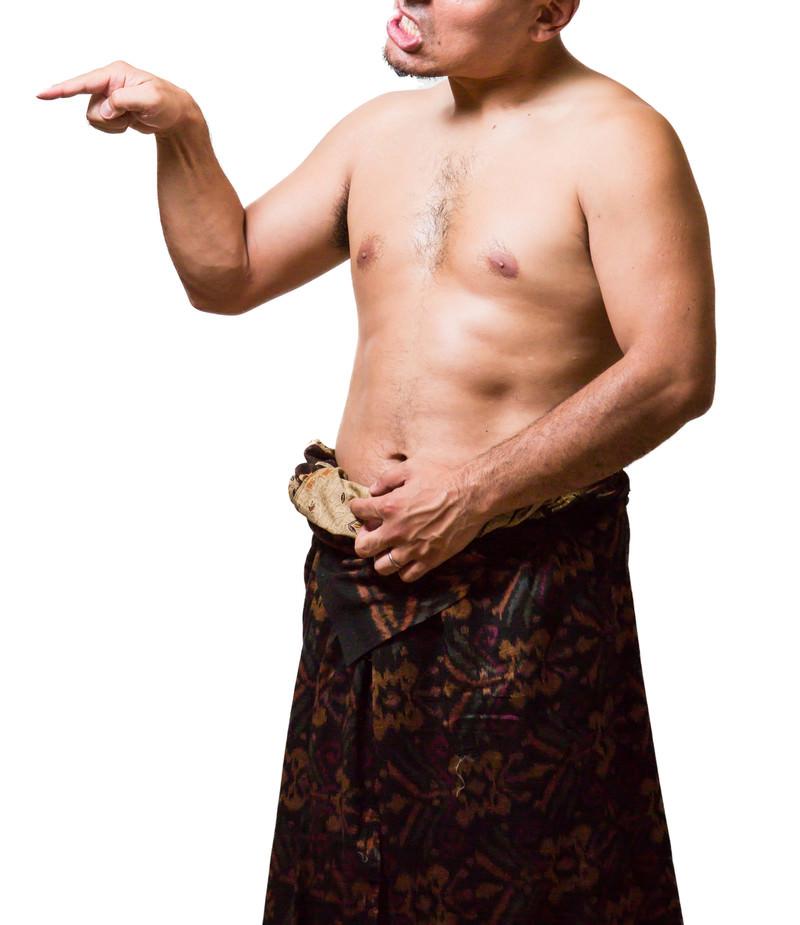 「天罰が下ったとイキる死亡フラグの男性」の写真