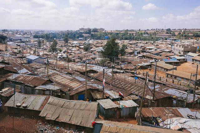 「ケニアのスラム街を一望」のフリー写真素材