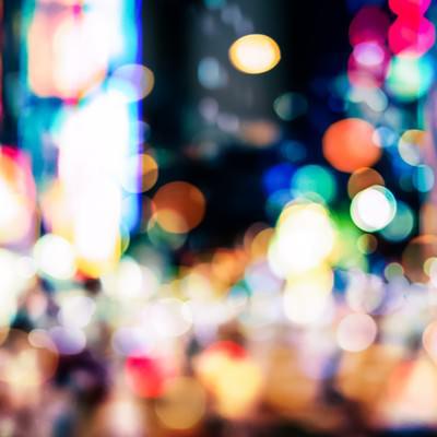 「繁華街のボケ」の写真素材