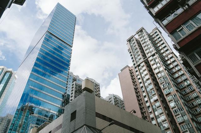 香港の高層ビルの写真