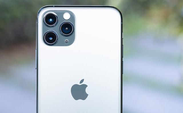 新搭載のトリプルカメラ(iPhone 11 Pro)の写真