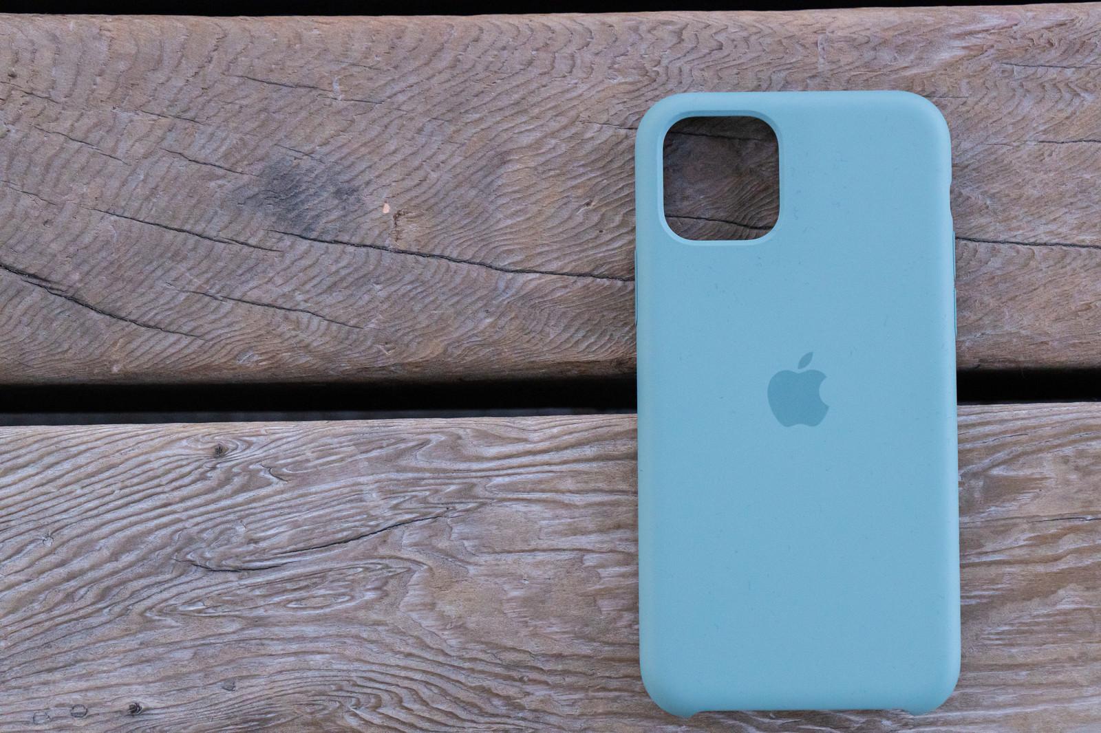 「iPhone 11 Pro 純正シリコンケース」の写真
