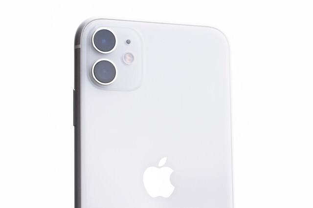 iPhone 11(ホワイト)の写真