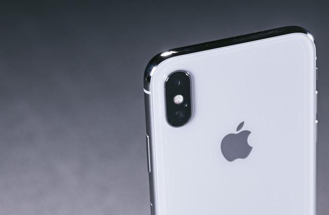iPhone X デュアルレンズカメラ(外向けカメラ)の写真