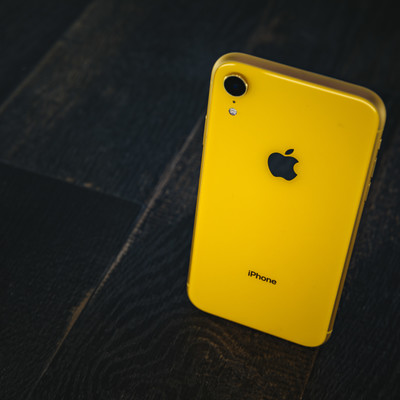 iPhone XR yellowの写真
