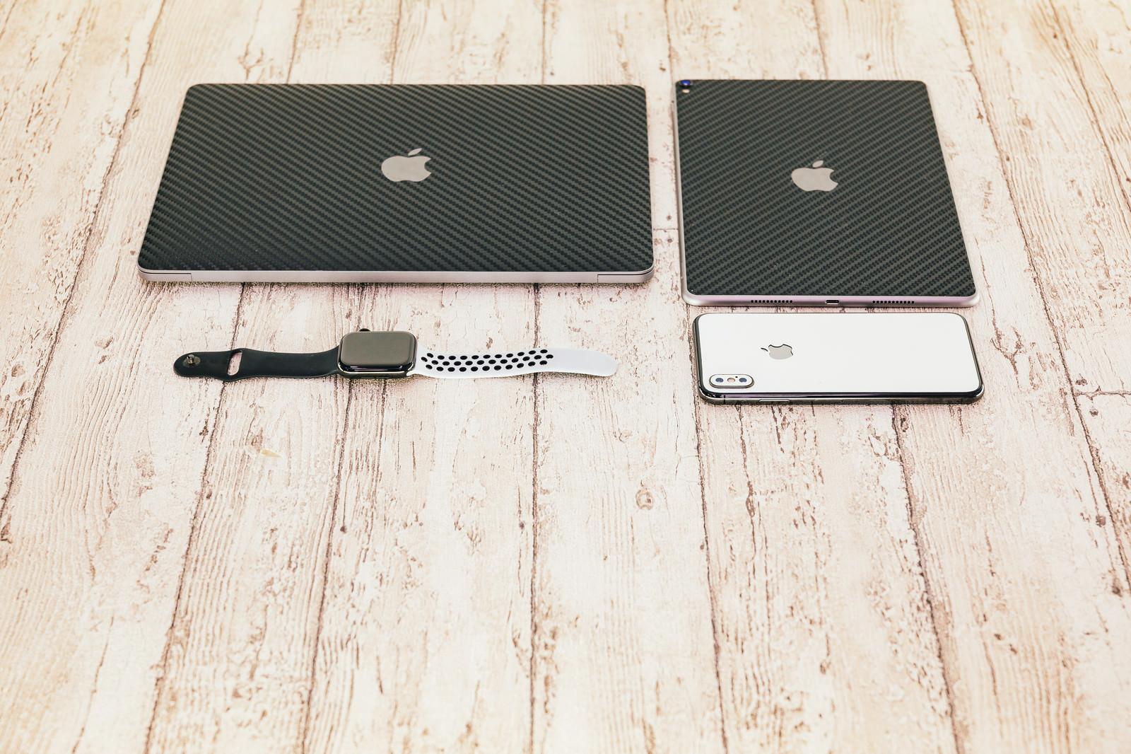 「iPhone などのApple製品」の写真