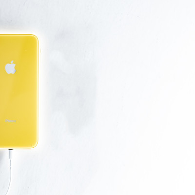 iPhone をケーブル充電するの写真