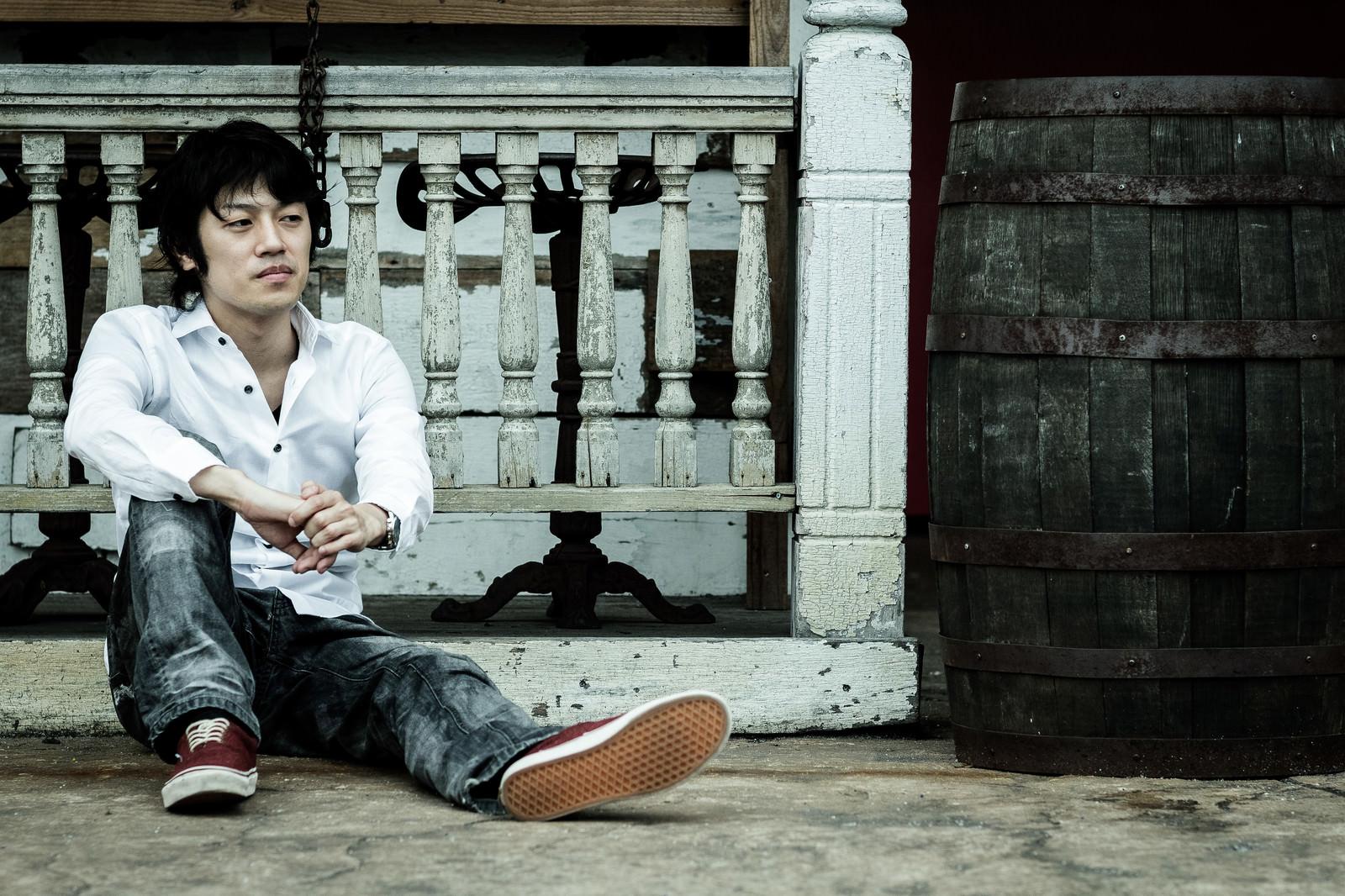 「貴重品を失くして無一文男」の写真[モデル:Tsuyoshi.]
