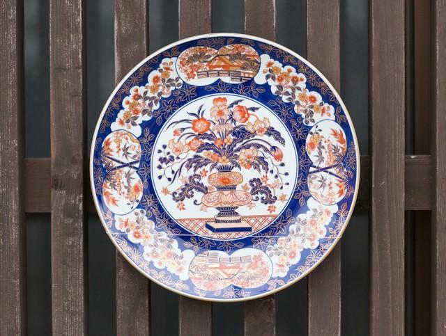 伊万里焼のお皿の写真