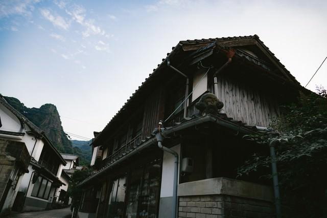 古き建物が立ち並ぶ大川内山(佐賀県伊万里市)の写真