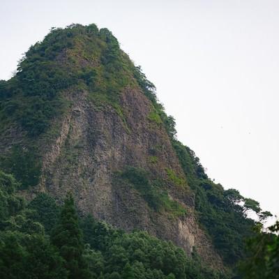「山水画のような切り立つ山(伊万里市大川内山)」の写真素材