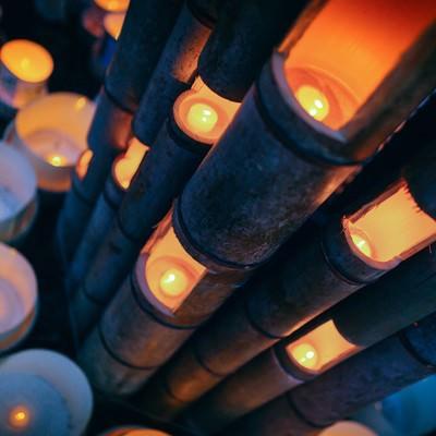 「幻想的な灯りに包まれる伊万里ボシ灯ろうまつり」の写真素材