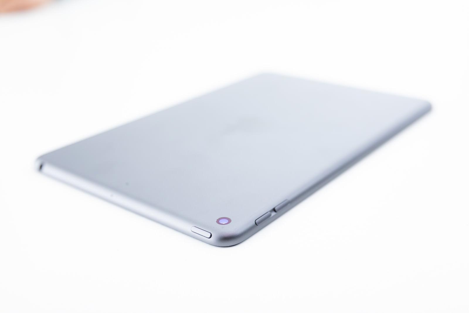 「iPadminiのリアカメラ」の写真