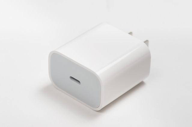 18W USB-C電源アダプタ(iPad Pro 2018)の写真
