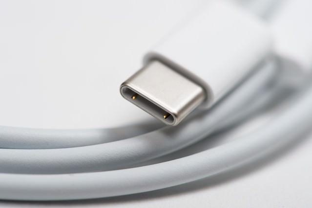 18W USB-C充電ケーブルの先端の写真