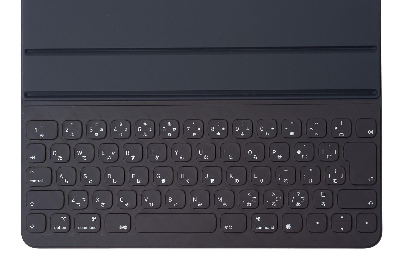 「iPad Pro 用のカバーキーボード(」の写真