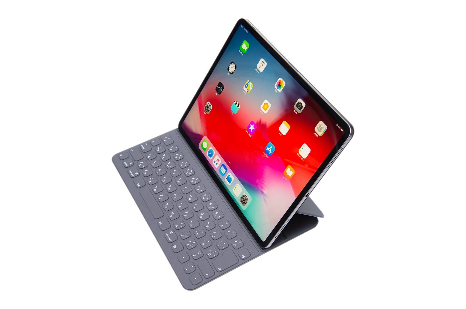 「iPad Pro と純正キーボード」の写真