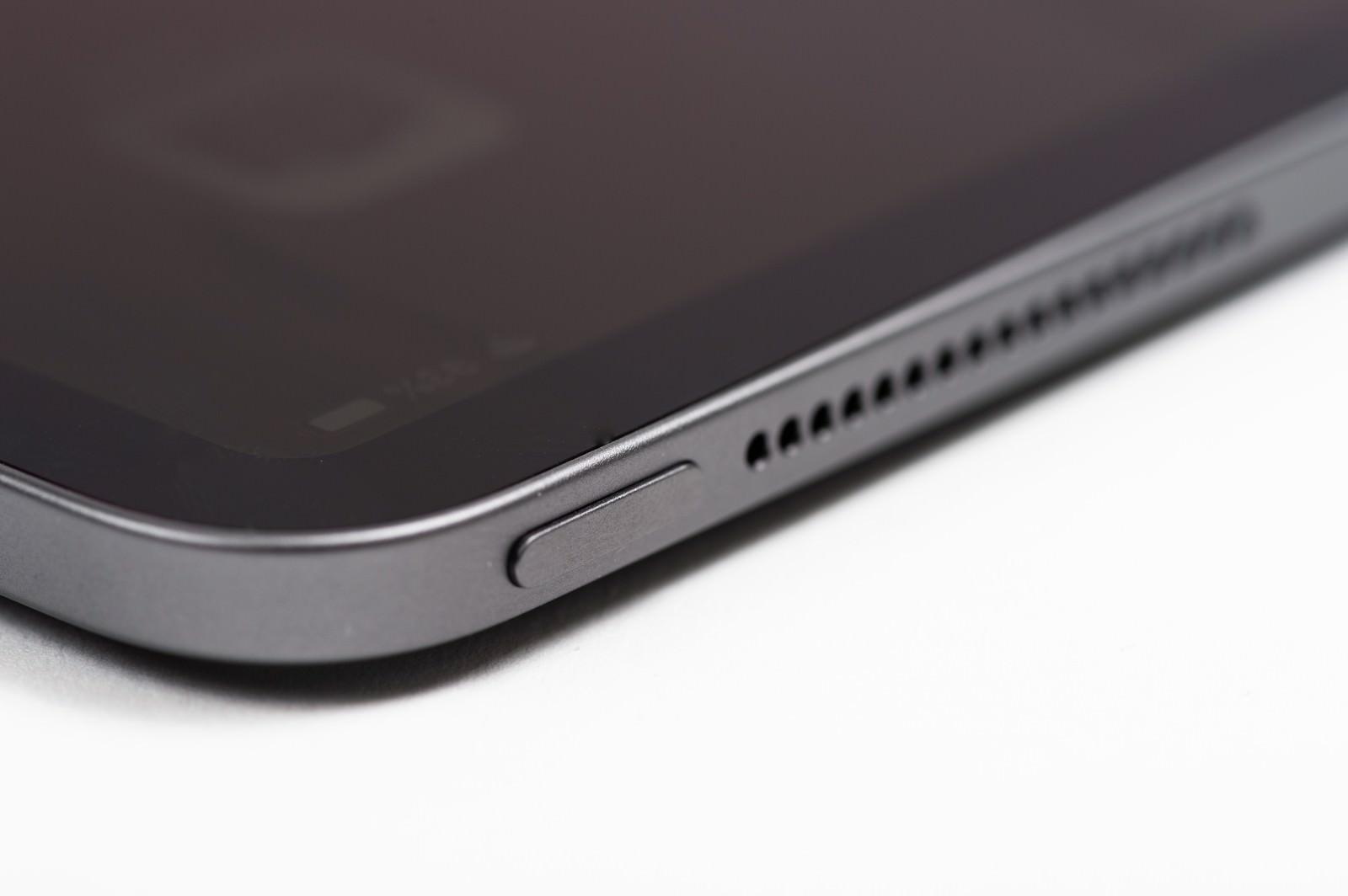 「iPad Pro 上部ボタン」の写真