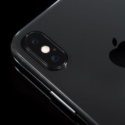 「iPhone X のデュアルレンズカメラ」の写真素材