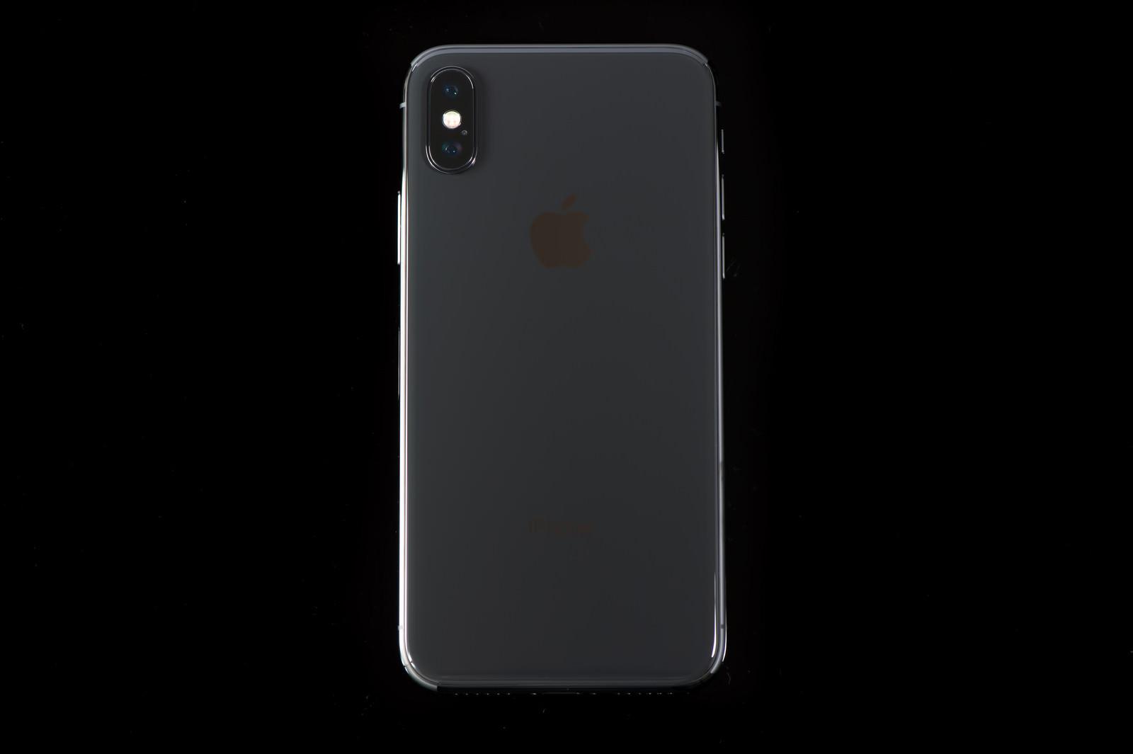 「iPhone X ブラック」の写真