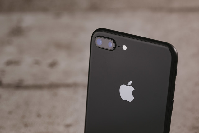 iPhone 8 Plus のデュアルレンズの写真