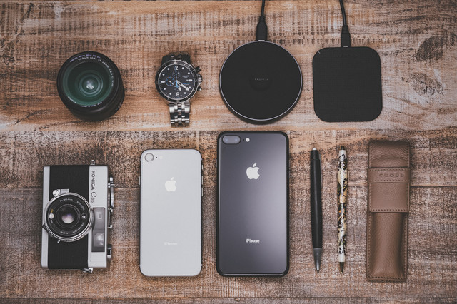 iPhoneやワイヤレス充電の写真