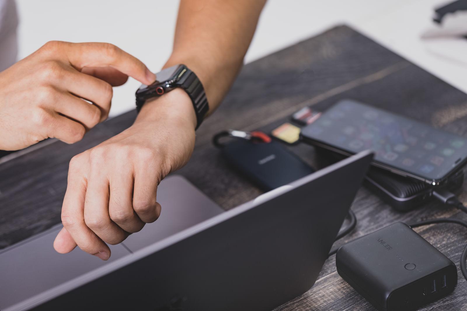「Apple Watchで不要な通知をオフにする」の写真