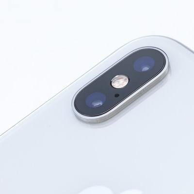 iPhone XS Max のカメラ部分の写真