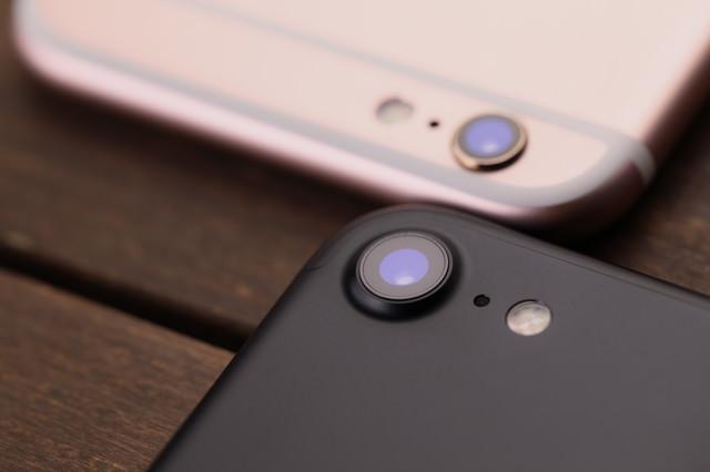 新型スマートフォンのカメラ部分を徹底比較の写真