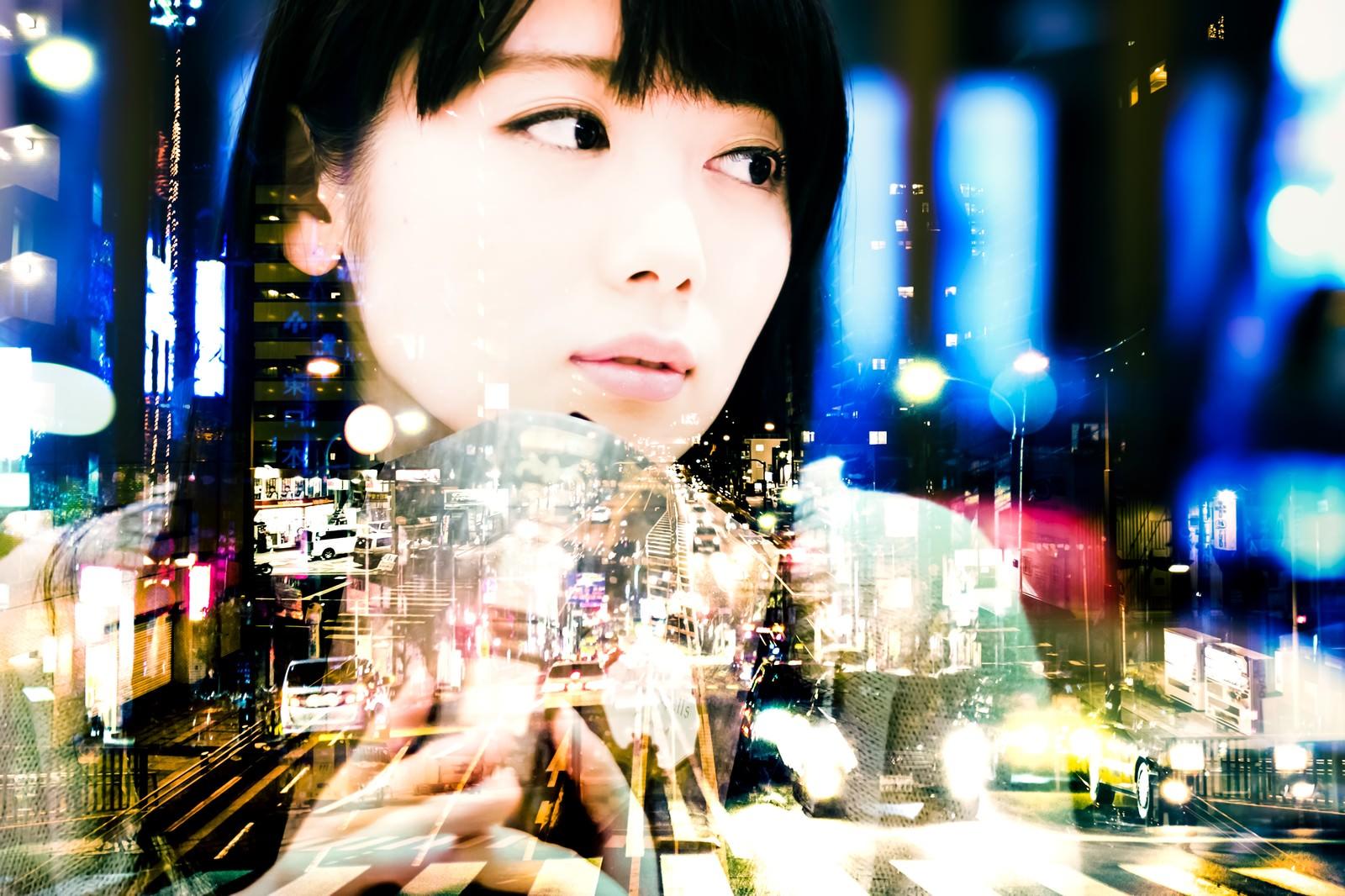 「遠距離恋愛(フォトモンタージュ)遠距離恋愛(フォトモンタージュ)」[モデル:白鳥片栗粉]のフリー写真素材を拡大