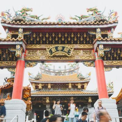 「関帝廟入り口」の写真素材