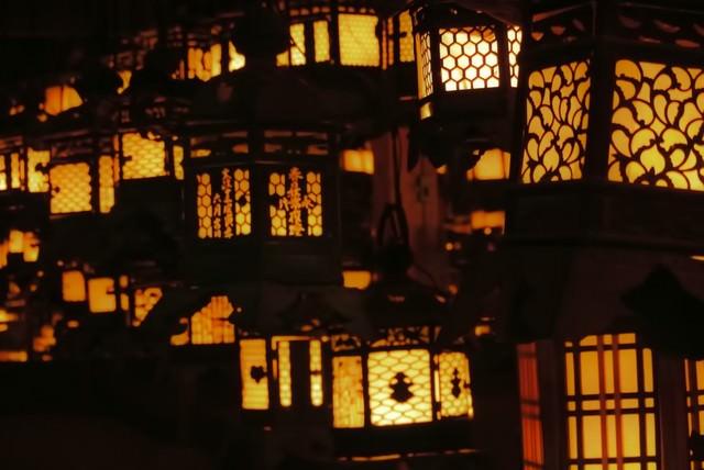 春日大社の灯籠の写真